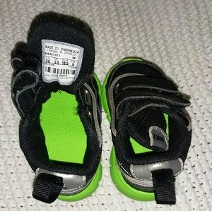 Little baby Nike shoes 3c